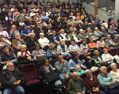 Tłumy na spotkaniu z Adamem Michnikiem